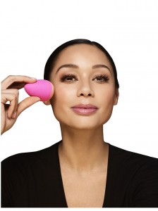 Beautyblender_Original_Model_5301_3000px_new.jpg